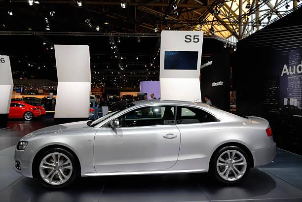 audi s5 coupe - audi s5 coupe stock-fotos und bilder