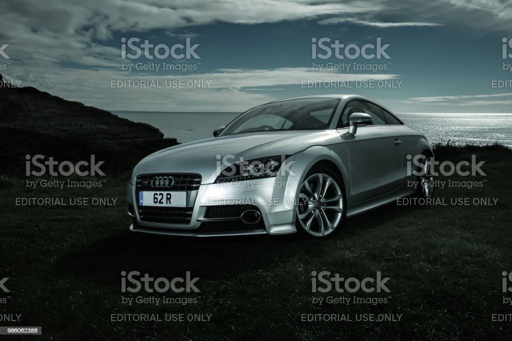 Audi TTS Mark II Coupe sitting on cliff top стоковое фото