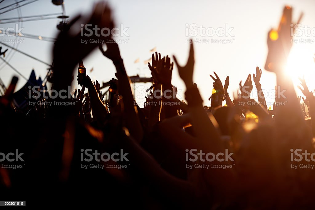 Audiencia At Outdoor Music Festival - foto de stock