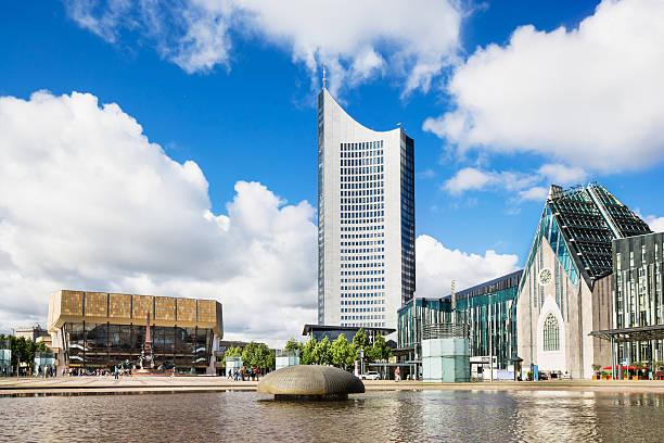 augustusplatz in leipzig, deutschland - leipzig universität stock-fotos und bilder