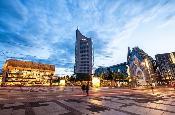 augustusplatz leipzig - leipzig universität stock-fotos und bilder
