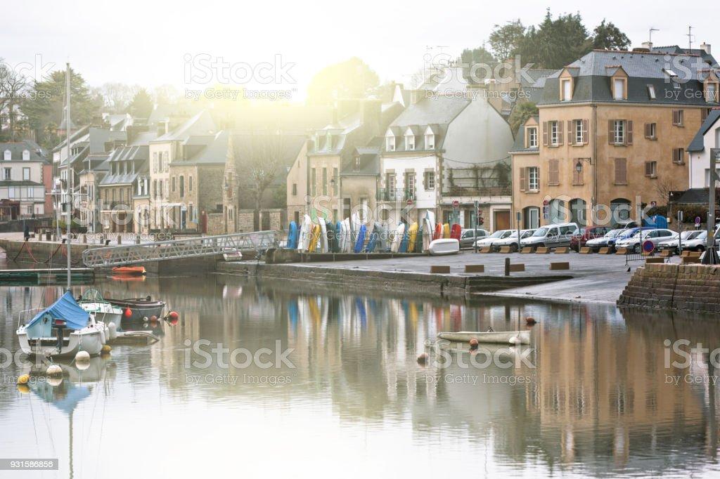 Terraplén Auray ciudad - foto de stock
