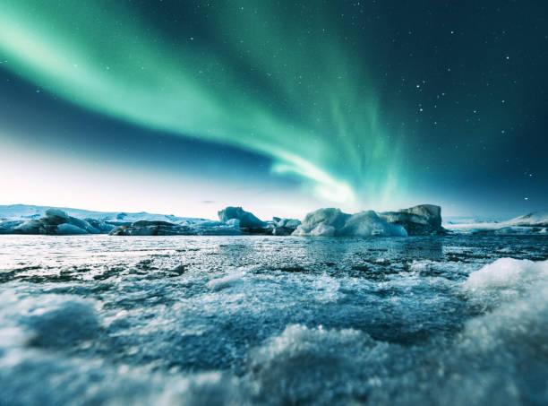 Aurora borealis in iceland at jakulsarlon picture id932650548?b=1&k=6&m=932650548&s=612x612&w=0&h=ocw8gtpxcqmohhucifo5w1sdukvqoqdve6vswmfsmk4=