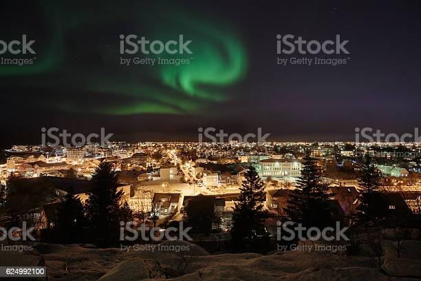 Aurora over reykjavik picture id624992100?b=1&k=6&m=624992100&s=612x612&h=ls5q4tgkuemopljhfvi0dixjlh1oolh9xy tpzg suo=