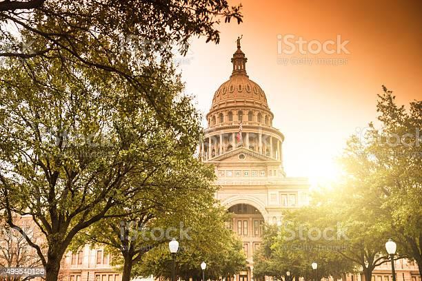 Austin capitol hill picture id499540128?b=1&k=6&m=499540128&s=612x612&h=bj9dbnelybnza4wsrr39dzvoa0zuftcndwrvs3 lq6s=