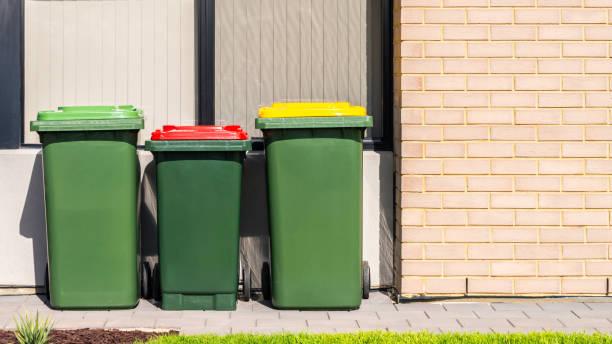 Australische Home Wheelie Behälter auf Vorgarten gesetzt – Foto