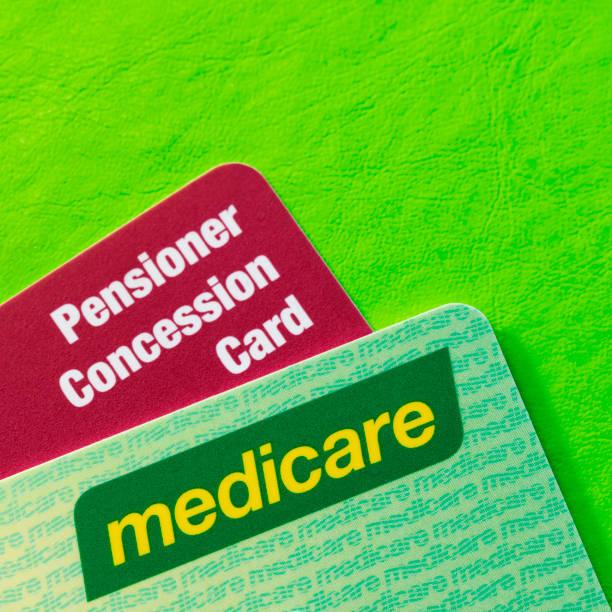 Australische Medicare und Rentner Konzession Karten über lebendigen grünen Hintergrund – Foto