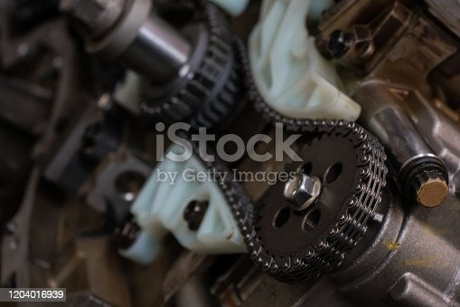 auto engine repair. timing chain.