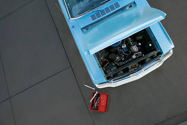 autowerkstatt - alten muscle cars stock-fotos und bilder