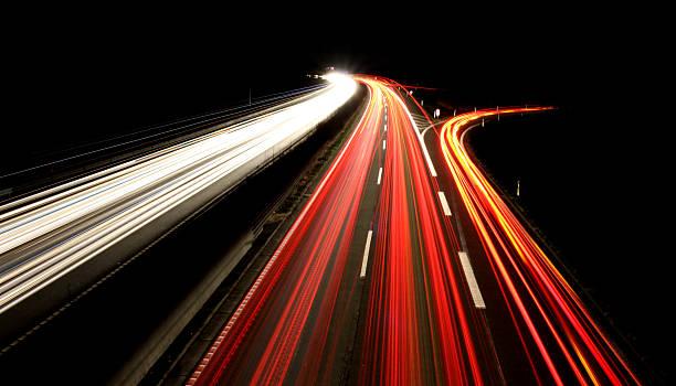 Bundesautobahn bei Nacht-Freeway bei Nacht – Foto