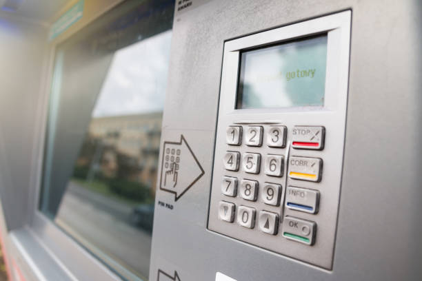 Automatic machine for cash withdrawal. Pinpad and big touchscreen in a machine – zdjęcie