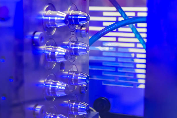 máquina injetora plástica automática-fim acima - moldando - fotografias e filmes do acervo