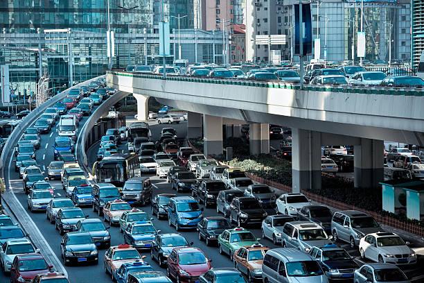 automobile embouteillages du matin heure de pointe - embouteillage photos et images de collection