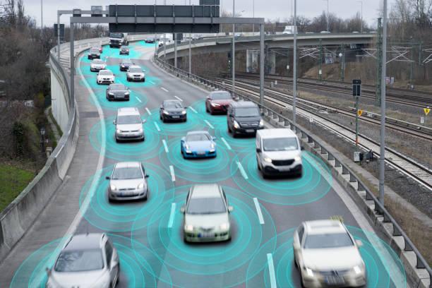 고속도로의 자율 주행 자동차 - 교통수단 뉴스 사진 이미지