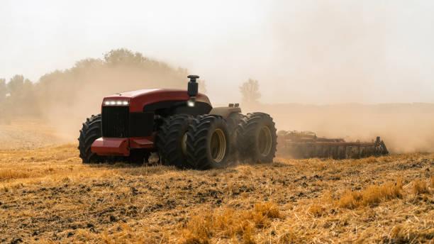 Autonom traktor bildbanksfoto
