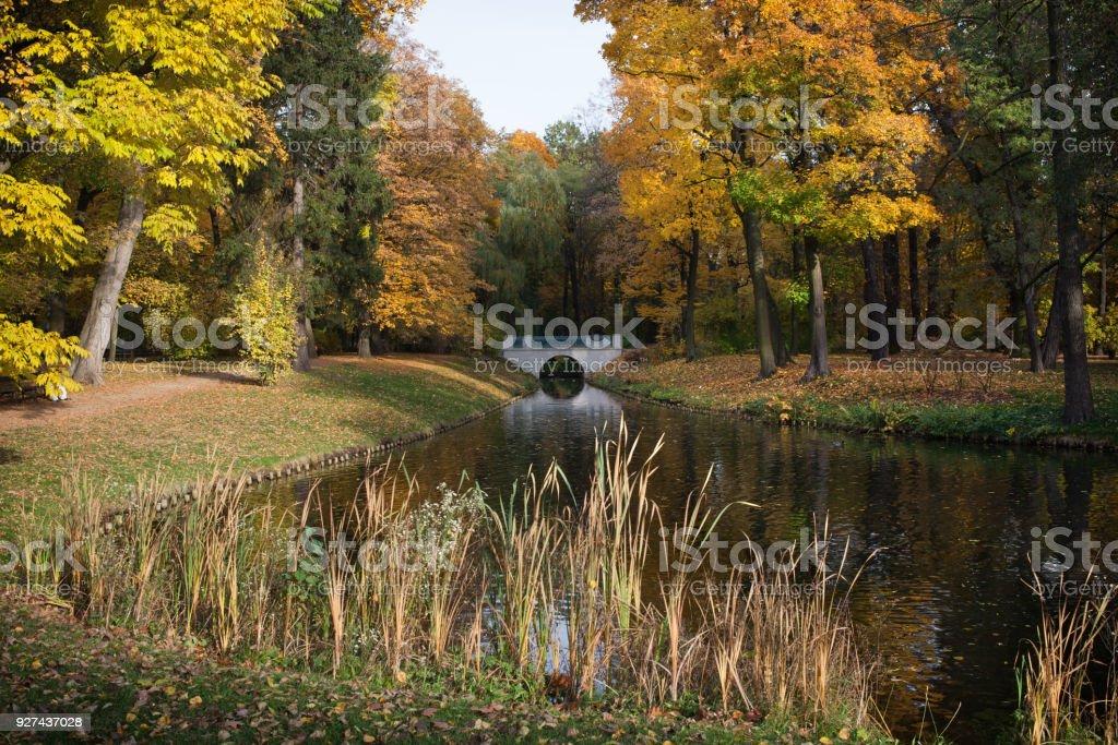 Herbst Im Royal Lazienki Park In Warschau Stock Fotografie Und Mehr