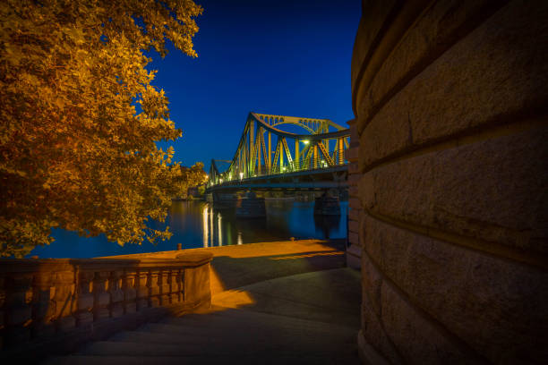 Autumn atmosphere at the Glienicker Brücke – Foto