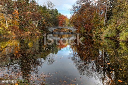 istock Autumn Bridge 914974634