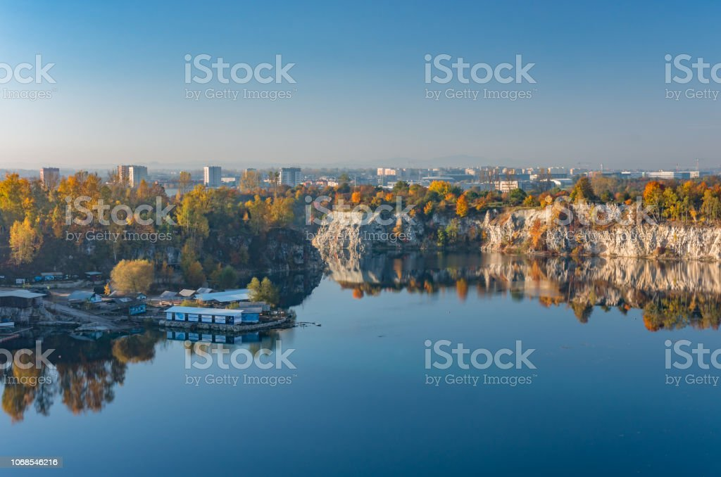 Im Herbst bunt Zakrzowek See in Krakau, Polen – Foto