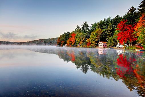 Autumn colors along Lake Mattawa in the Quabbin region of Massachusetts