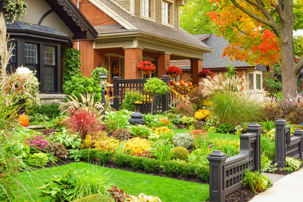 autumn homes with thanksgiving decoration - house with flowers stock photos and pictures