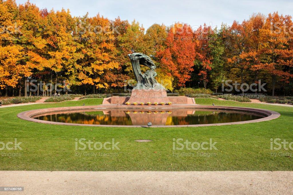 Herbst Im Lazienki Park In Warschau Stock Fotografie Und Mehr Bilder