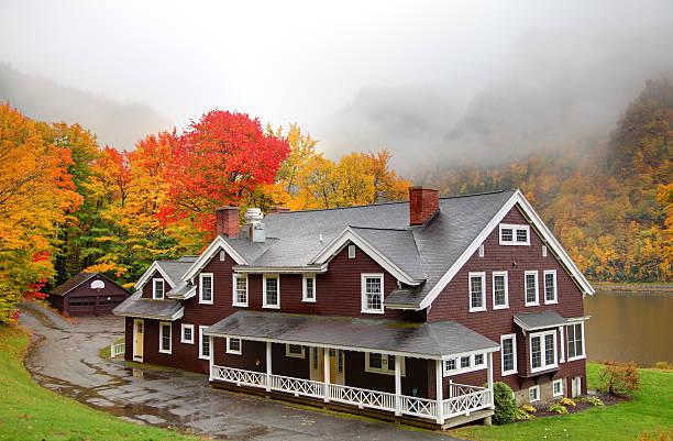 autumn in new hampshire - dixville notch stockfoto's en -beelden