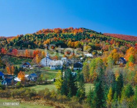 istock Autumn in Vermont 175519232