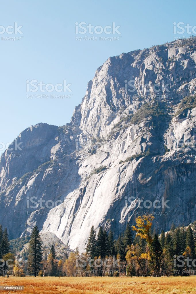 Herfst in het Nationaal Park Yosemite Valley - Royalty-free Berg Stockfoto