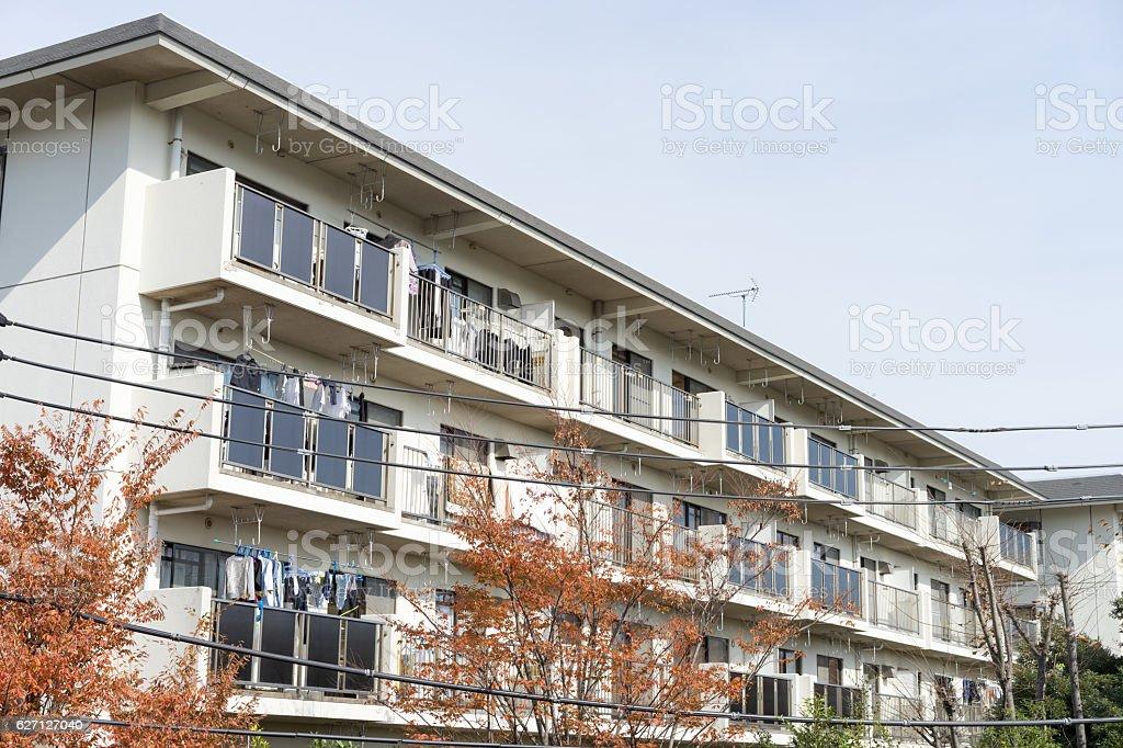 Foto De Autumn Japanese Apartment E Mais Fotos De Stock De Apartamento Istock