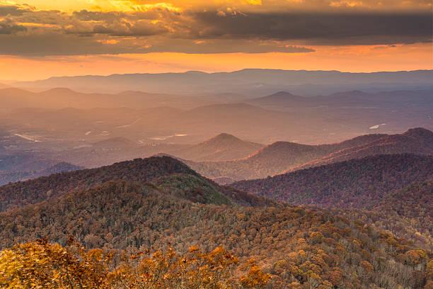 Autumn landscape among the Blue Ridge Mountains Blue Ridge Mountains at dusk in north Georgia, USA. blue ridge mountains stock pictures, royalty-free photos & images