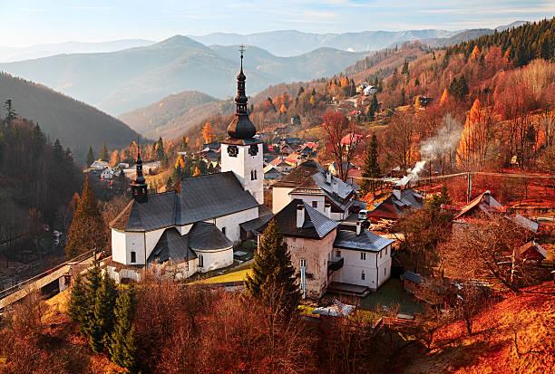 autumn landscape of spania dolina, slovakia - 슬로바키아 뉴스 사진 이미지