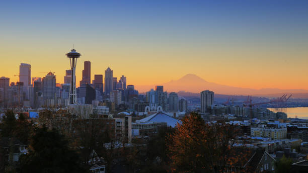 Autumn Morning in Seattle November puget sound stock pictures, royalty-free photos & images