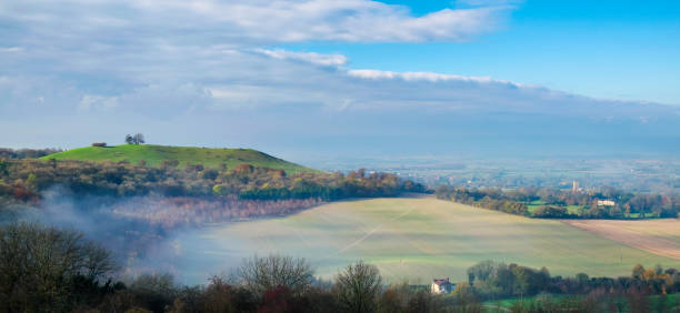 Autumn On Coombe Hill In The Chilterns, Buckinghamshire A beautiful Autumn morning on Coombe Hill in Buckinghamshire, in the South East of England buckinghamshire stock pictures, royalty-free photos & images