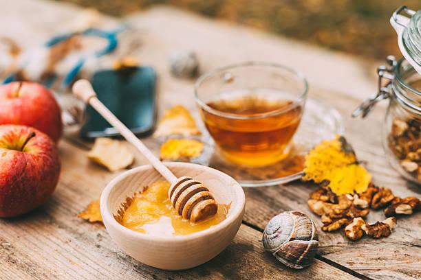 l'automne  - miel photos et images de collection