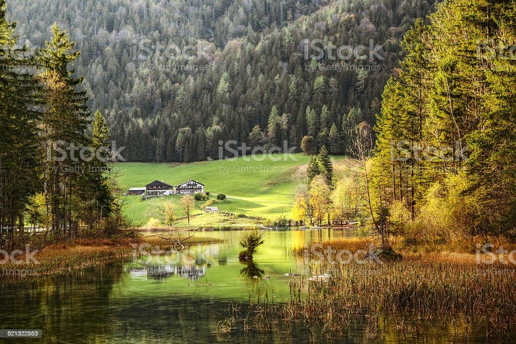 Herbst-Landschaft-See Reflektionen in Bayern, Deutschland – Foto