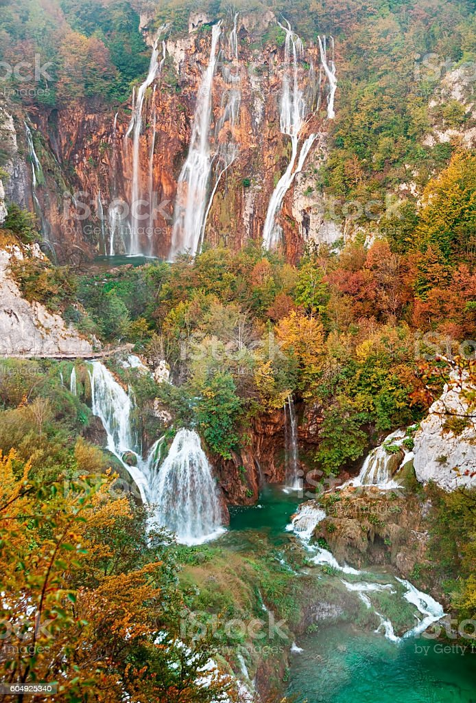 Autumn view of Great Waterfall in Plitvice Lakes, Croatia – Foto