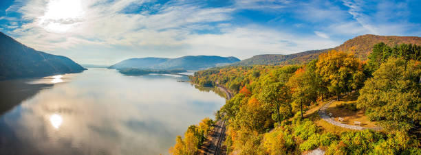 Autumn view Autumn view hudson river stock pictures, royalty-free photos & images