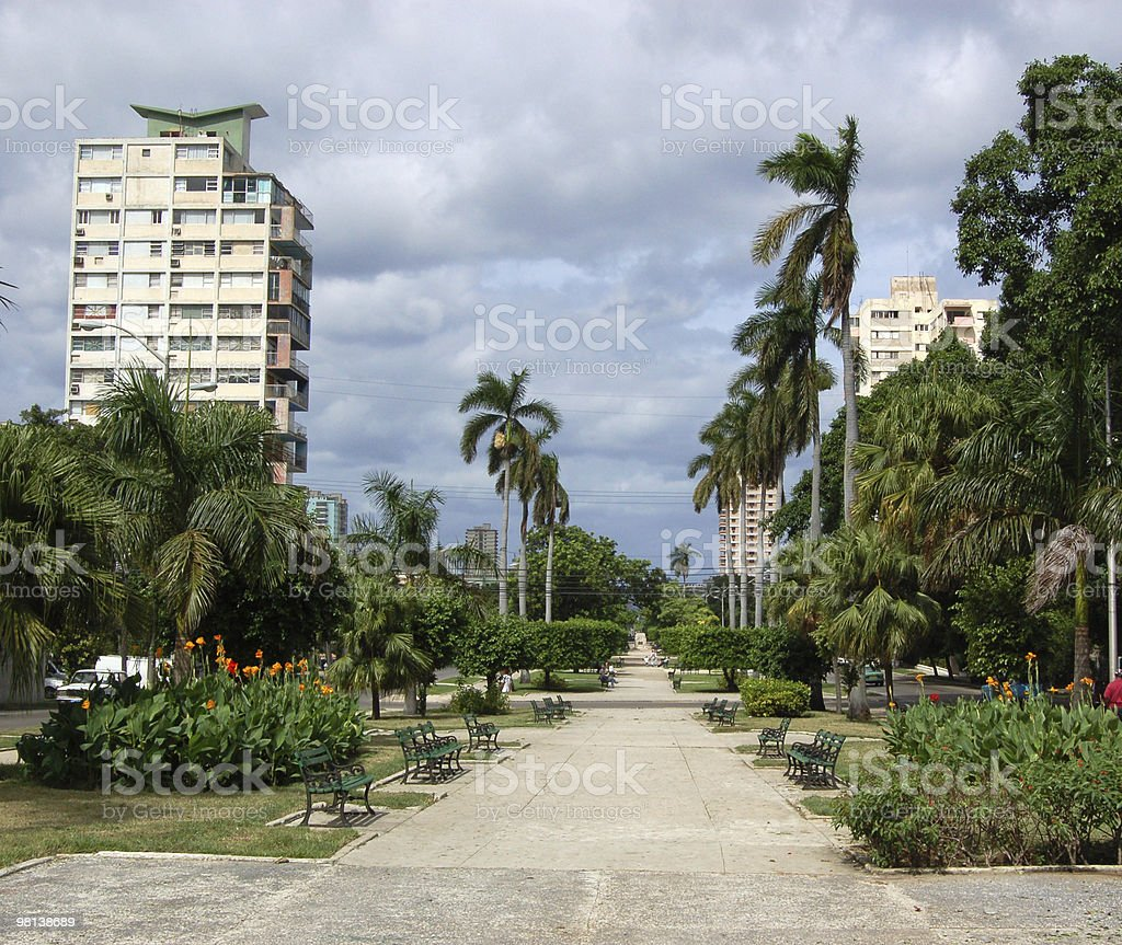 Avenida de los Presidentes, 하바나 royalty-free 스톡 사진