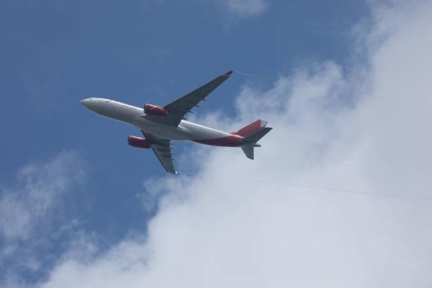 Avianca Airlines se aproximando JFK - foto de acervo