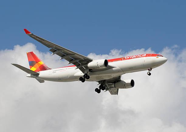 Avianca Colômbia passageiro avião a jato - foto de acervo