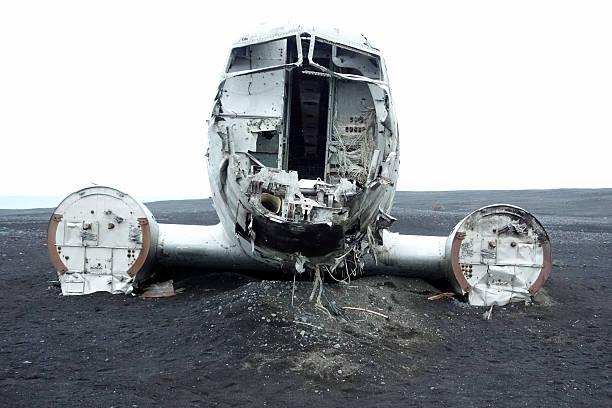 Avion écrasé dans le sable stock photo