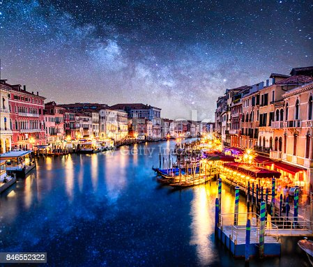 istock awessome photo venecia venezia venice milkyway night ponte di rialto view clouds 846552322