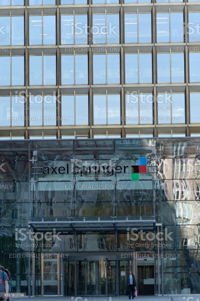 Lära garderob Van vid  Axel Springer Se Headquarters Berlin Germany Stock Photo - Download Image  Now - iStock