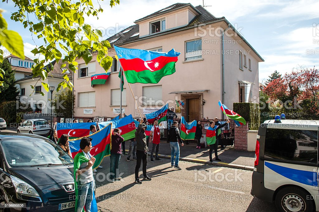 Aserbaidschan Armenien Konflikt Demonstration In Vor Botschaft Stockfoto Und Mehr Bilder Von Aggression Istock