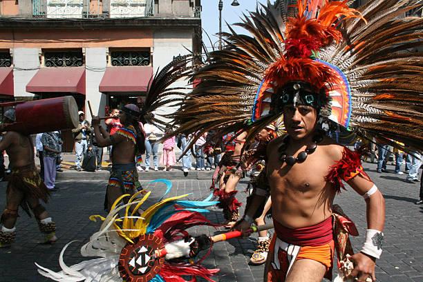 Aztec dancers in Alebrije parade in México city. - foto de stock