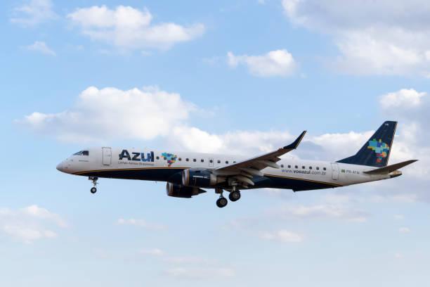 Companhias aéreas brasileiras azul - Embraer E190 - foto de acervo
