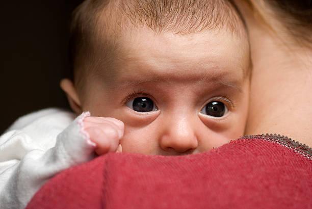 Baby in die Arme 1 – Foto