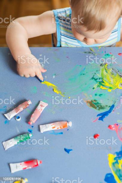 Babies hands painting colorful mosaic picture id1033281896?b=1&k=6&m=1033281896&s=612x612&h=feossjzzk3wjqmnnwz cutf2bpcdrcx usvlp4tkwre=