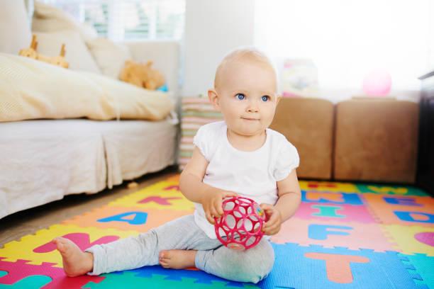 Babys machen Platz für spielen jeden Tag – Foto